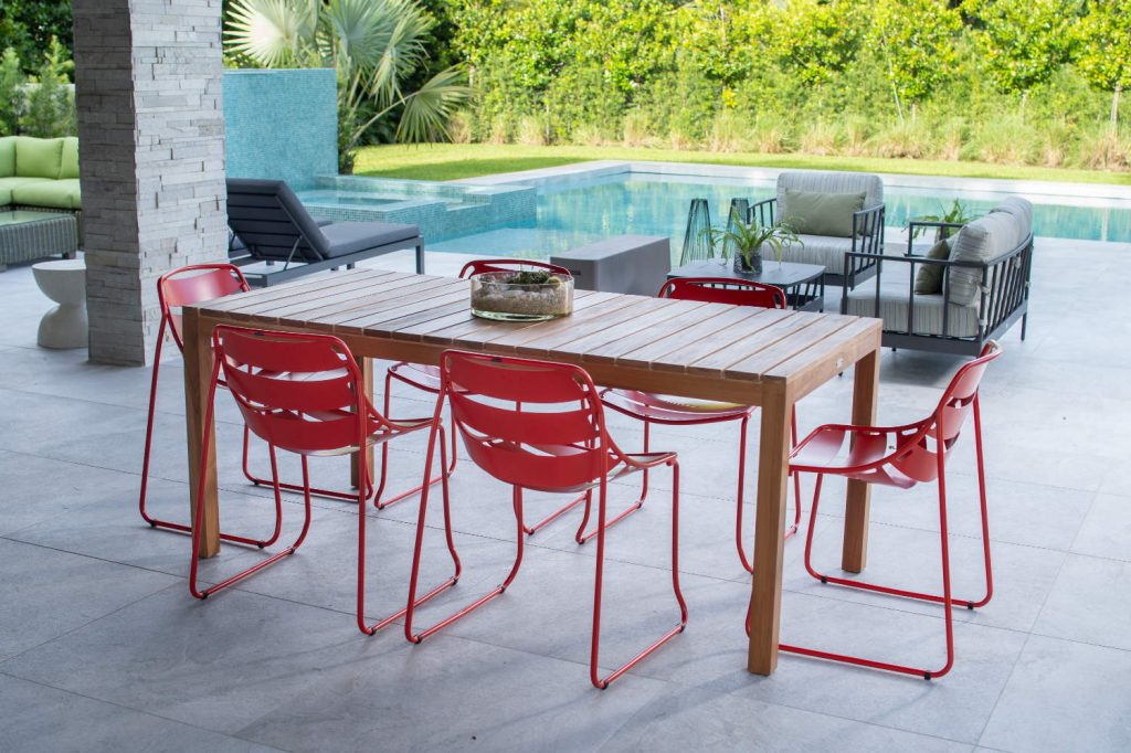 Kannoa Ellie Dining Chair with Cali Table